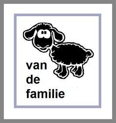 🐑 Het zwarte schaap (van de familie) zijn 🐑 Betekenis: iemand die een beetje buiten de familie staat qua gedrag 🐑E: to be the black sheep (of the family) 🐑F: être la brebis galeuse (de la famille) / être le mouton noir (de la famille) 🐑D: das schwarze Schaf (in der Familie) sein🐑S: ser la oveja negra (de la familia) 🐑I: essere la pecora nera (della famiglia) 🐑P: ser a ovelha negra (da família). Nice Quotes, Best Quotes, Black Sheep Of The Family, Humor, Education, Fictional Characters, Black Sheep, Cute Quotes, Handsome Quotes