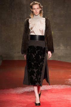 Fall 2015 Ready-to-Wear Marni #modestfashion #modeststyle