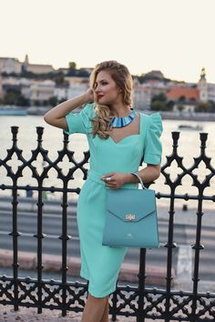 #orovicafashion #annahodlikbag #summervibes Summer Events, Timeless Fashion, Summer Vibes, Dresses For Work, Womens Fashion, Design, Style, Swag
