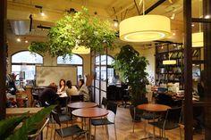 南青山にあるカフェのようなミーティングスペース