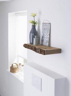 Gebruik eens letterlijk een houten plankje mét boomschors voor aan de wand ♡ MD…
