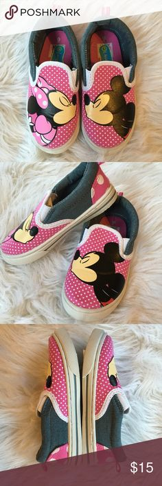 Disney Minnie Mouse kissing Mickey Mouse shoes Adorable Disney Minnie kissing Mickey polka dot shoes. GUC no box Disney Shoes