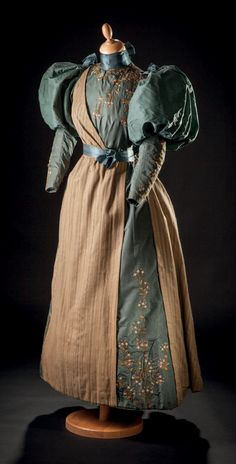 Girl's day dress ca. 1894-95 From Drouot