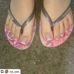Feet Nail Design, Toe Nail Designs, Nice Toes, Pretty Toes, Feet Soles, Women's Feet, Nails Polish, Feet Nails, Beautiful Toes