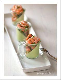 Erbsen-Parmesan-Creme mit Papaya-Garnelen-Salat, Vorspeise, Sommer, Flying Buffet, Meeresfrüchte, Fingerfood, Feinschmecker Rezept, ineskocht.de