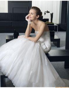2015 Meerjungfrau Exklusive Trendige Brautkleider aus Softnetz mit Applikation