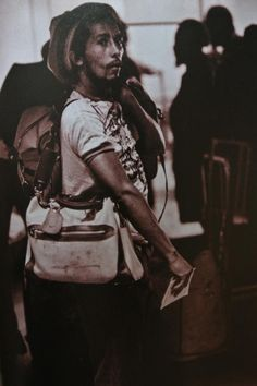 your life is worth much more than gold Bob Marley Legend, Reggae Bob Marley, Bob Marley Pictures, Marley Family, Reggae Music, Reggae Style, Robert Nesta, Nesta Marley, Jamaican Music