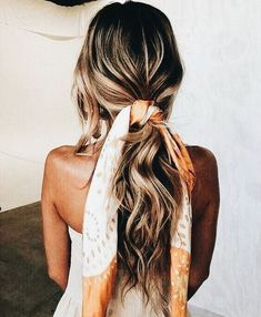beachy waves with a silk tie
