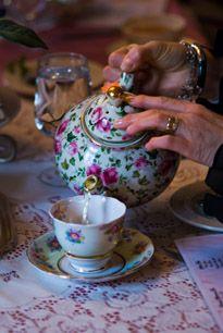 Invite new neighbors to tea ... this links to the Roosevelt Inn, in Coeur D'Alene Idaho