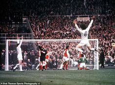 Leeds United Football, Leeds United Fc, Norman Hunter, Hull City, Fa Cup Final, Football Pictures, Jumping For Joy, The Guardian, Finals