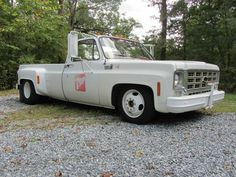 Epic 1979 Dually Chevrolet 7 up Barn Find 4 Dually Trucks, Old Pickup Trucks, Lifted Chevy Trucks, Chevy C10, Chevy Pickups, Car Part Furniture, Shop Truck, Square Body, Us Cars