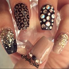 ♢ leopard print coffin nails                                                                                                                                                      Más