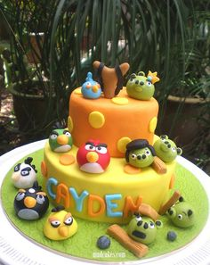 tiered angry birds cake
