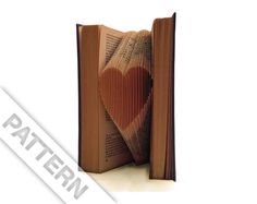 Pattern to fold a small heart into a book - including manual - Diy pattern - Tutorial - Instructions