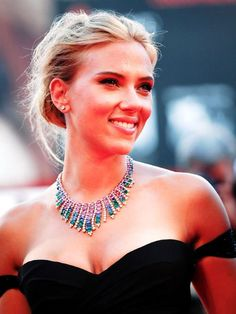 """Scarlett Johansson attended the """"Under the Skin"""" Premiere at Venice Film Festival, on September wearing a statement BVLGARI gem stone necklace, earrings, and ring. Scarlett Johansson, Girl Celebrities, Celebs, Versace Gown, She Is Gorgeous, Beautiful, Nicole Scherzinger, Celebrity Red Carpet, Celebrity Crush"""