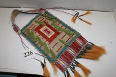 Sioux quilled | Lakota Sioux Mirror Bag quilled : Lot 226