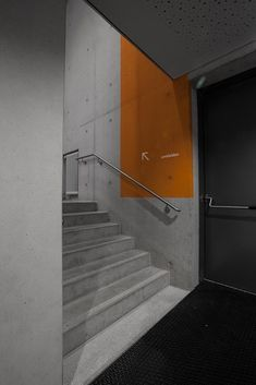 orientation system concrete orange swatches staircase corridor gym multipurpose hall information Directional Signage, Wayfinding Signs, Multipurpose Hall, Building Development, Concrete Stairs, Stair Handrail, Environmental Graphic Design, Signage Design, Parking