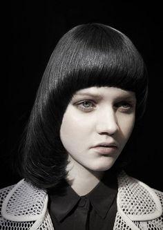 Стрижка паж на волосы средней длины