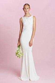 WedLuxe – Oscar de la Renta Fall 2015 | Follow @WedLuxe for more wedding inspiration! 2015 Wedding Dresses, Wedding Attire, Bridal Dresses, Wedding Gowns, Wedding Bride, Wedding Blog, Fall Collection, Bridal Collection, Oscar Dresses