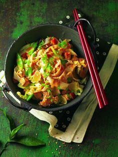 Vegan: Pikanter Sesam-Wok mit Ingwer, Tofu und Sesamöl  burdafood.net/Joerg Lehmann http://www.daskochrezept.de/meine-familie-und-ich