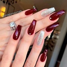 Burgundy nail art designs have become people's favorite. Burgundy color has become one of the most popular colors. Women who choose this color do not want to have bright and gorgeous nails, but want to have classic and sexy designs. The burgundy nai Silver Nails, Rhinestone Nails, Glitter Nails, Silver Glitter, Burgundy Nail Designs, Burgundy Nail Art, Burgundy Color, Maroon Nails Burgundy, Burgundy Wine