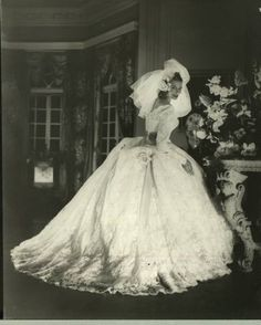 Wedding dress. Date unknown. Probably 1940's.