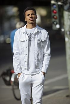 All White Outfit Men Gallery a new range for men minimal spirited clean trendy All White Outfit Men. Here is All White Outfit Men Gallery for you. All White Outfit Men the all white outfit guide for men fashionbeans. All White Ou. All White Mens Outfit, All White Party Outfits, All White Shoes, Summer Outfits, Fall Fashion Outfits, Mens Fashion, White Editorial, Young Fashion, Range