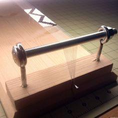 como hacer telar para pulseras (a Seed Bead Loom)