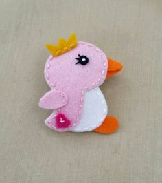 Check out this item in my Etsy shop https://www.etsy.com/listing/233042104/penguin-with-crown-baby-pink-white-wool