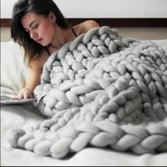 chunky knitted blanket Over OFF – Now that's amazing! Handmade chunky knitted blanket Over OFF – Now that's amazing! Chunky Knit Throw Blanket, Giant Knit Blanket, Wool Blanket, Knit Blanket Patterns, Big Yarn Blanket, Crochet Patterns, Easy Baby Blanket, Knitting Patterns, Chunky Knit Decke