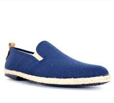 Chaussures d'été PETER BLADE SAINTROP Marine : chez vous pour 49 € seulement ! http://www.peterblade.com/chaussure/homme/saintrop_marine/detente/bleu/toile/dolce_vita/242
