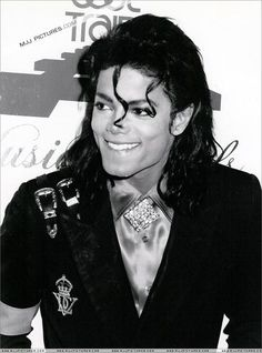 i can't make a celebrities i love board without my man MJ!  this is one of my favorite pics of him looking gorg at the soul train awards <3