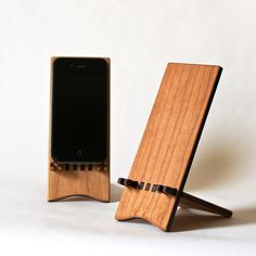 Apple iPhone 4/4s Stand - Natural. $25.00, via Etsy.
