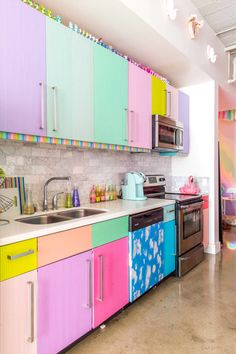 House Tour: Studio Mucci, The Most Colorful Apartment in the World | Apartment Therapy Kitchen Colors, Kitchen Decor, Kitchen Ideas, Rental Kitchen, Green Kitchen, Kitchen Designs, Cost Of Kitchen Cabinets, Colorful Apartment, Kitchen Upgrades