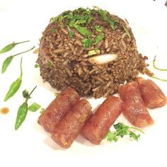 Simple but powerful 😋👍🏽 ပုန္းရည္ျကီး ထမင္းသုပ္  #burmesefood #sausage #salad #ပုန္းရည္ျကီး #foodlover #myanmarfood #myanmar #deliciousfood #tasty #foodporn #ricesalad #Happycafeandnoodle