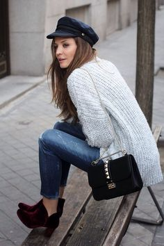 Are you a hipster? Or you love hipster style? If yes, this roundup will be useful for you: it's dedicated to hipster girls' outfits for winter. Look Fashion, Winter Fashion, Fashion Outfits, Street Fashion, Outfits With Hats, Casual Outfits, Casual Wear, Navy Hats, Winter Stil