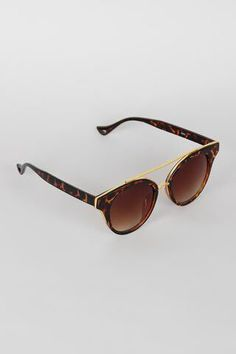 #socialmedia RT ShopDMco: If you love retro or vintage-style sunglasses check out our eyewear collection!   http://pic.twitter.com/Ttisvuza6E   Social Marketing Pro (@Social_MKT_) August 31 2016