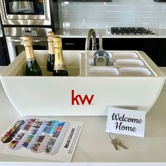 Wine Parties, Party Drinks, Tailgate Bar, Bloody Mary Bar, Party Spread, Best Gifts For Him, Bar Set Up, Realtor Gifts, Best Wedding Gifts