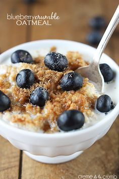 A quick and simple blueberry oatmeal with a to-die-for crumble! It's like a cross between a big bakery-style muffin and your favorite coffee cake!