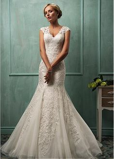 Elegant Tulle V-neck Neckline Natural Waistline Mermaid Wedding Dress With Lace Appliques