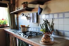 The kitchen in the Rosmarino apt