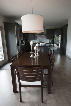 Perfect A Contemporary Home Designed By Des Moines Iowa Interior Designer Rebecca  Cartwright Featuring A Dark Gray Transitional Kitchen.