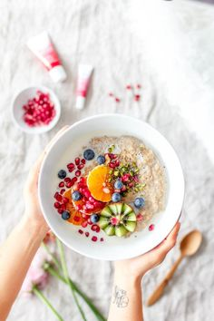 Food-borne Illnesses Prevention for Healthy Eating Breakfast Photography, Food Photography, Vegan Breakfast Recipes, Vegan Recipes, Salade Healthy, Eat This, Beautiful Fruits, Food Tasting, Bowls