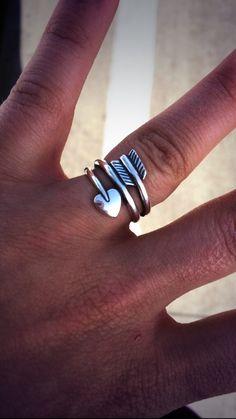 James Avery heart arrow ring. I love this!! I need size 7... Thanks lol