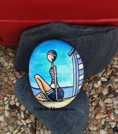La demoiselle à la cabine Peinture sur galet Cabine de plage Mer Baigneuse Rétro Bleu Bretagne sable Presse papiers