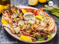 https://flic.kr/p/SQ4ToY | La Flor de Acapulco te ofrece un delicioso platón de mariscos. GASTRONOMÍA DE MÉXICO 3 | #gastronomiademexico La Flor de Acapulco te ofrece un delicioso platón de mariscos. GASTRONOMÍA DE MÉXICO. La Flor de Acapulco es un restaurante que te ofrece diferentes tipos de platillos, entre ellos el platón de mariscos, en el cual encontrarás desde camarones hasta langosta y es excelente para compartir con tus amigos o familiares. Visita la página oficial de Fidetur…