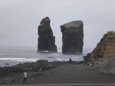 LAS AZORES JULIO 2014 Las Azores, quien no ha oido hablar de las Azores cuando dan el tiempo, pero que sabemos de esas islas? Nosotros solo sabiamos que estaban y eran mas o menos como las Canarias. O sea que decidimos visitarlas, antes miramos por internet que tal y vimos muy buenas opiniones. Pues nada …