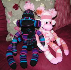 sock monkey downloadable pattern is here: pregnancybabychild.com
