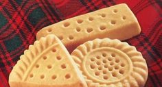 Copycat Walkers Shortbread Recipe 3 Ingredients | The WHOot Walkers Shortbread Cookie Recipe, Shortbread Cookie Recipe Scottish, Irish Cookies, Basic Cookies, Buttery Shortbread Cookies, Shortbread Recipes, Cookie Recipes, Biscuit Recipe, Biscuit Cake