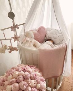 Image about girl in 👼baby👼 by Fidan on We Heart It Baby Room Themes, Baby Room Decor, Baby Bedroom, Girls Bedroom, Baby Room Design, Cute Baby Pictures, Everything Baby, Baby Cribs, Baby Furniture